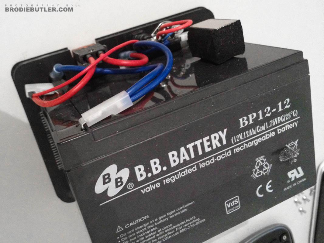 Inside the Elinchrom Ranger battery